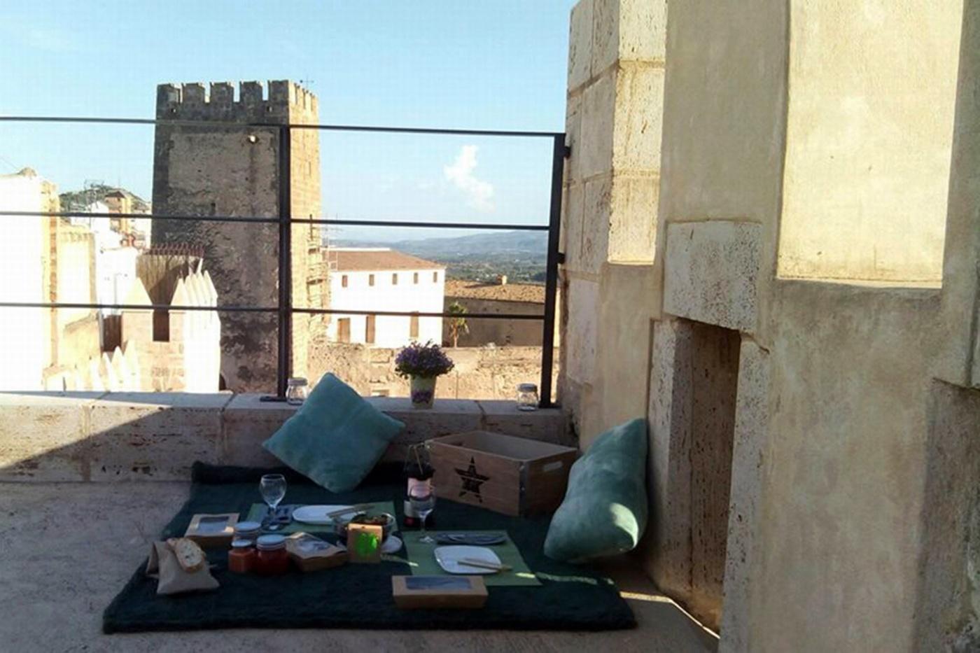 Picnic en las Torres del Castillo